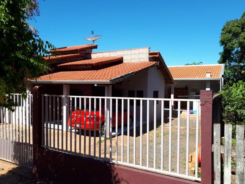 Casa com 3 quartos, 1 suíte, edícula à venda em Alvorada do Oeste
