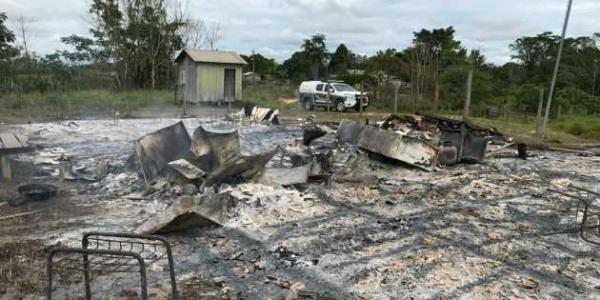 Estudante incendeia escola no Acre após desentendimento com professora
