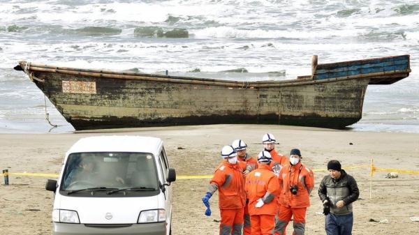 'Navio fantasma' com 8 corpos e esqueletos aparece na costa do Japão e intriga autoridades locais