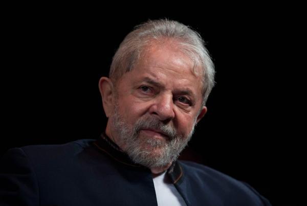 Ministro do STJ nega pedido da defesa para evitar que Lula seja preso