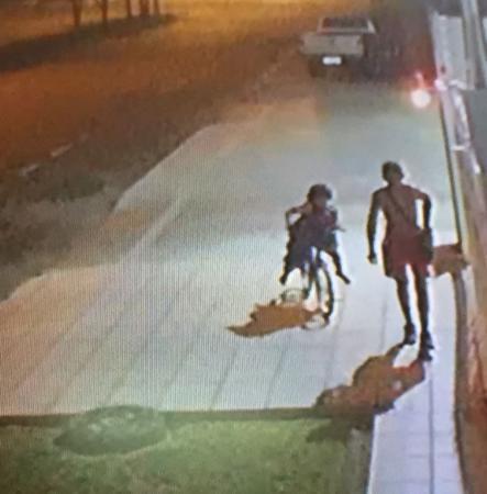 Homem furta televisor de pastelaria e é roubado por outro ladrão ao sair na rua em Boa Vista
