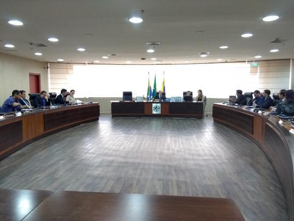 Servidores da Idaron participam de audiência de conciliação com o Governo de RO e não entram em acordo