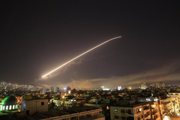 Guerra - Estados Unidos, Reino Unido e França anunciam ataque na Síria