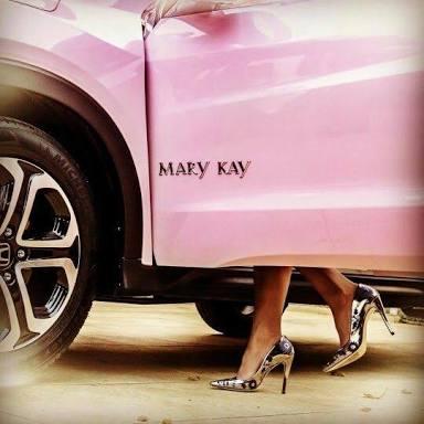 Moradora de São Miguel do Guaporé ganha carro Rosa zero km da Mary Kay