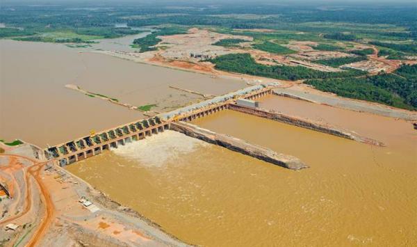 Hidrelétrica de Santo Antônio diz que corre o risco de quebrar