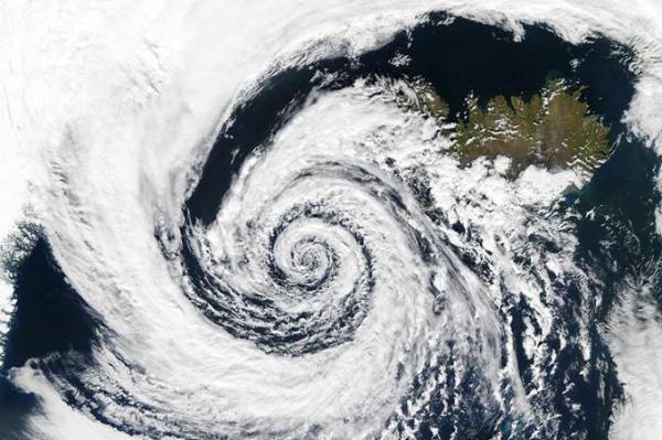 Marinha alerta para 'intenso ciclone extratropical' na costa do Brasil