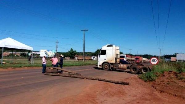"ÁUDIO: Caminhoneiro anuncia bloqueio de estrada e chama rondonienses de ""frouxos"""