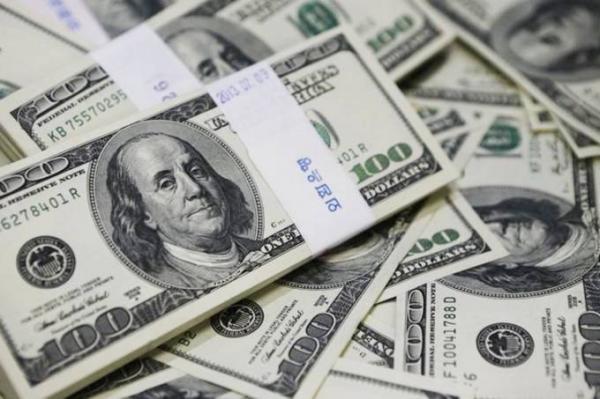 Dólar dispara e fecha com maior valor em mais de 2 anos