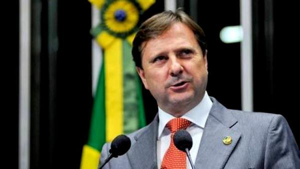 INELEGÍVEL: Ministério Público Eleitoral pede impugnação do registro de Acir Gurgacz