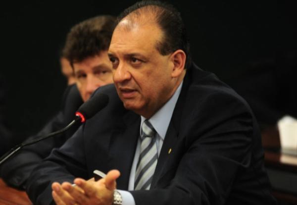 Condenado a seis anos de prisão pelo Supremo, Nilton Capixaba renuncia candidatura a reeleição