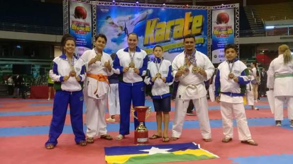Atletas de Alvorada do Oeste são destaques no campeonato brasileiro de Karatê