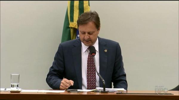 URGENTE - Ministro do STF determina transferência imediata do senador Acir Gurgacz para Brasília para cumprimento da pena