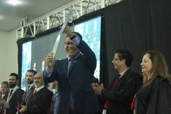 Governador, senadores, deputados estaduais e federais são diplomados em Rondônia