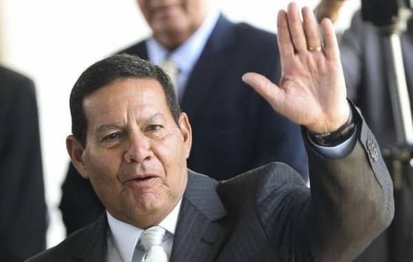 Vice-presidente Mourão rejeita privatização dos Correios