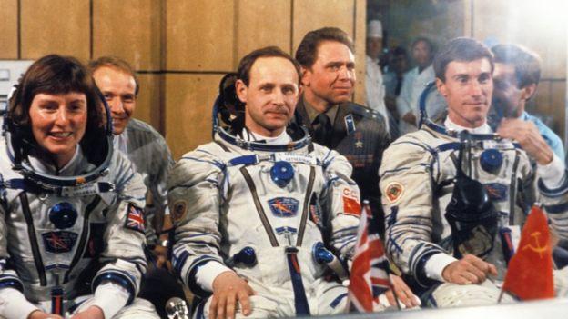 Aliens existem e podem já estar na Terra, diz astronauta britânica