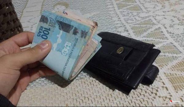 Após recusar recompensa, mulher que encontrou carteira de pecuarista ganha materiais para concluir construção de casa em Cerejeiras