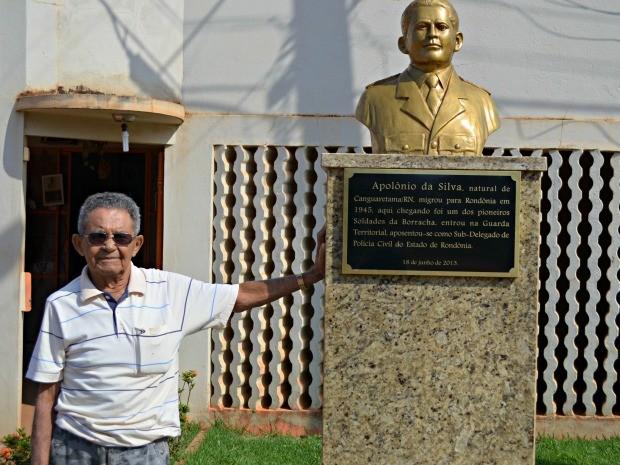 Ex-delegado que mandou fazer o próprio caixão morre aos 89 anos em Rondônia