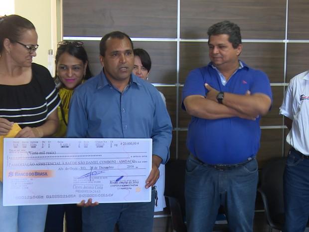 Hospital do câncer de Cacoal recebe R$ 20 mil da Câmara de Alvorada, RO