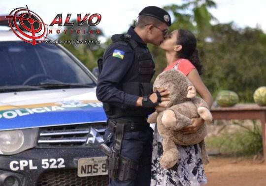 Rondônia - Policial Militar pede em casamento e vídeo viraliza na web