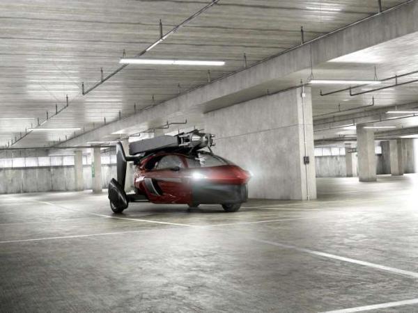Primeiro carro voador com produção em série é colocado à venda