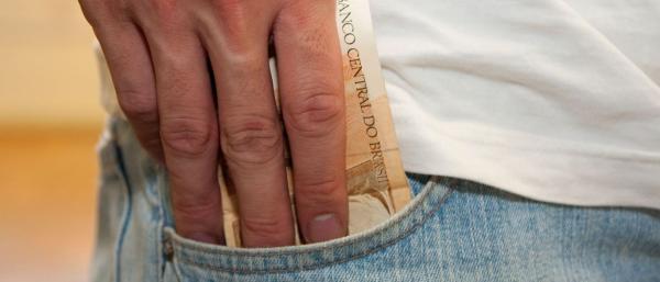 Especialista orienta como usar bem o dinheiro do FGTS inativo