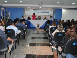 Fórum discute os rumos da educação no Estado