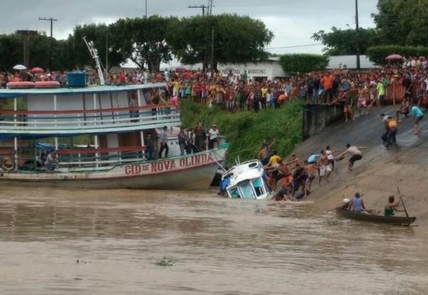 Acidente com embarcação deixa desaparecidos no AM