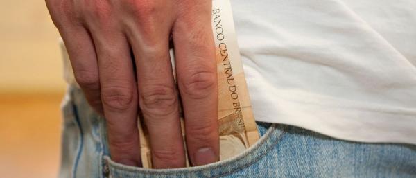 Caixa já pagou FGTS a 2 de cada 3 trabalhadores que têm direito