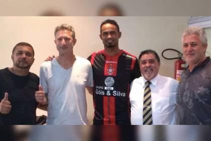 Boa Esporte: protestos nas redes por contratar o goleiro Bruno