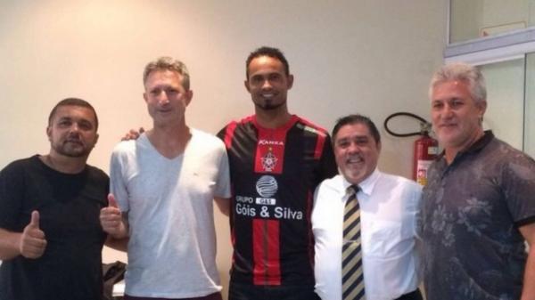 Boa Esporte perde 4º e maior patrocinador, após contratação do goleiro Bruno