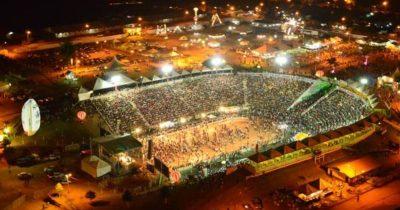 Em meio à decadência das festas agropecuárias de Jaru e Ouro Preto, Ariquemes e Ji-Paraná apostam no sucesso e contratam os shows mais caros do Brasil