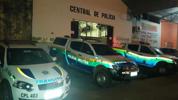 Rondônia - Estudantes de 15 e 11 anos são flagrados fazendo sexo em corredor de escola