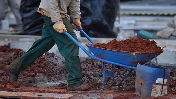 Governo dará até R$ 9.600 por família para reformar a casa