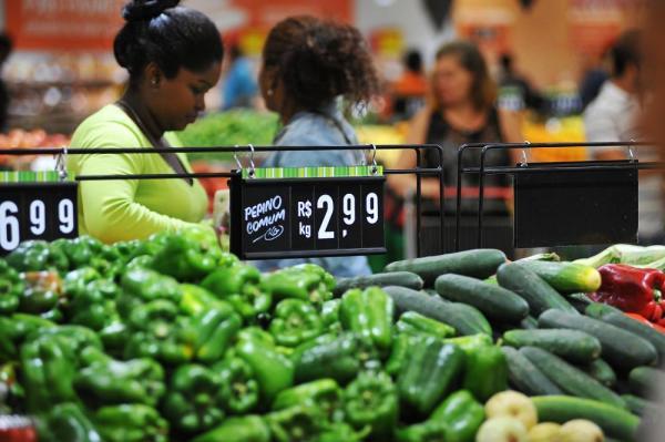 URGENTE - Inflação em um ano é a menor desde 1999, diz IBGE