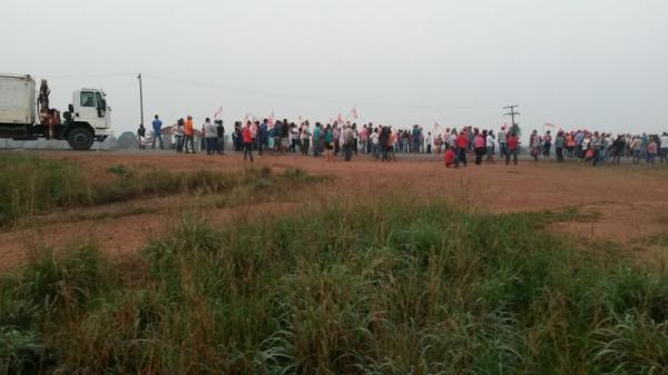 Manifestantes fecham BR-364 em mobilização pelo Grito da Terra em RO